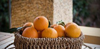 Detoxsap van sinaasappel en gember