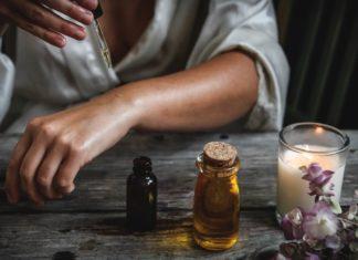 5 voordelen van amandelolie voor de droge huid