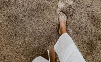 Zet eens wat vaker je hakken in het zand
