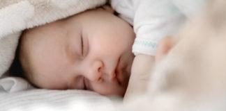 Tijdelijke stop gehoorscreening pasgeborenen