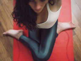 6 Dingen die gebeuren met jouw lichaam en geest als je aan yoga doet