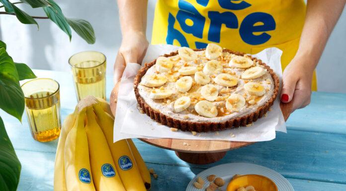 Eenvoudige taart met bananen