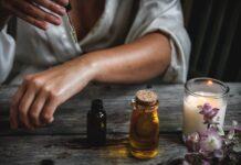 Koudgeperste olie versus etherische olie