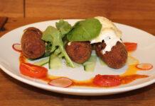 Recept falafel met linzen en tomaat saus